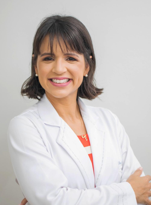 Elisa Martins Barbosa de Vasconcelos (CRM 24368)
