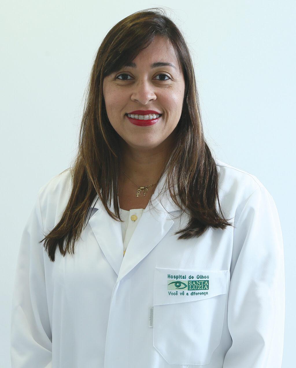 Mirelle Souza Leão (CRM 14677)